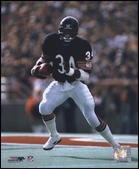 Walter Payton - Running with ball Art Poster Print Unknown