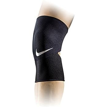 f8b5447932 Amazon.com: Nike PRO Combat Open-Patella Knee Sleeve 2.0 (Small ...