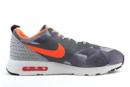 Nike Air Max Tavas, Zapatillas de running para hombre grigio - arancio
