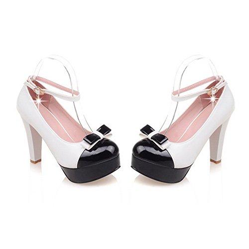 AllhqFashion Damen Schnalle Hoher Absatz PU Leder Gemischte Farbe Rund Zehe Pumps Schuhe Weiß