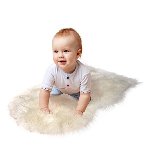 Super-Soft-Sheepskin-Rug-By-CUSHIMAX-Excellent-Quality-Faux-Fur-Rug-Modern-Stylish-Design-Used-As-An-Area-Rug-Or-Across-Your-Armchair-Cozy-Feeling-Like-Real-Wool-Back-Lining-Suede-Fabric