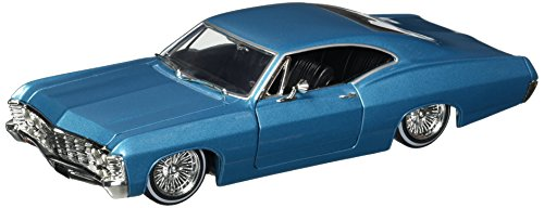 Jada 1:24 W/B - Street Low: Lowrider Series - 1967 Chevrolet Impala - Mijo Exclusives ()