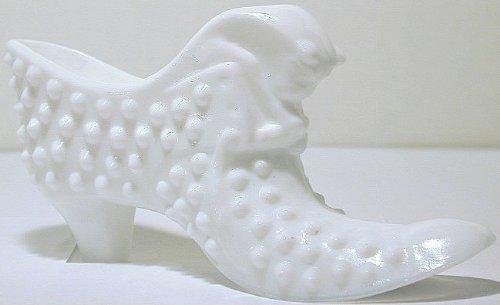 Fenton Hobnail Milk Glass - GL408 - Fenton hobnail milk glass cat figural shoe