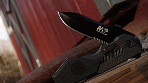 Smith & Wesson SWMP4LS M&P Linerlock Knife Review 2