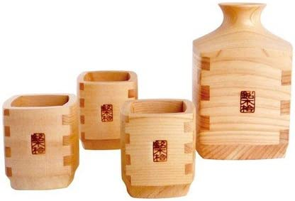 Yamako a Wooden Sake Bottle and three Cups set Made in Japan 82702
