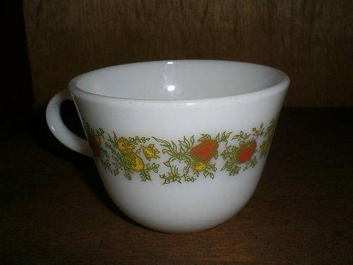 (Vintage Pyrex SPICE OF LIFE Mug)