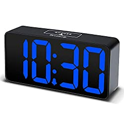DreamSky Compact Digital Alarm Clock with USB Port for Charging, Adjustable Brightness Dimmer, Bold Digit Display