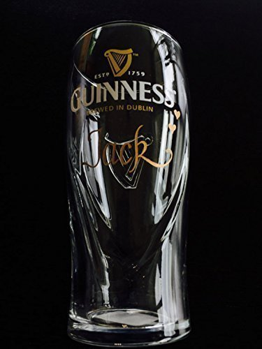 amazon com guinness glass engraving engraved guinness glass beer