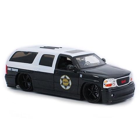 2002 GMC Yukon Denali State Trooper 1:24 Scale (Black/White) - Trooper Model