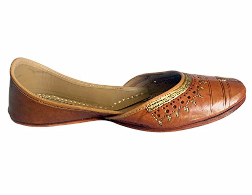 Schritt N Style Frauen Patiala (Jutti Kameez Ethnischen Schuhe Flach Sandalen/Hausschuhe, Braun - Braun - Größe: 41