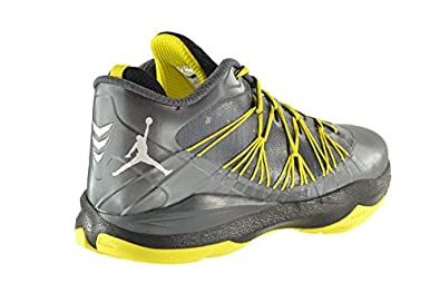 finest selection e4ff4 e617c Amazon.com   Jordan CP3.VII AE Men s Shoes Dark Grey White-Black-Vibrant  Yellow 644805-070 (9.5 D(M) US)   Basketball