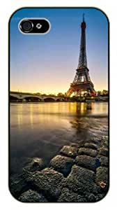 iPhone 5 / 5s Eiffel Tower, water view - black plastic case / Paris, France