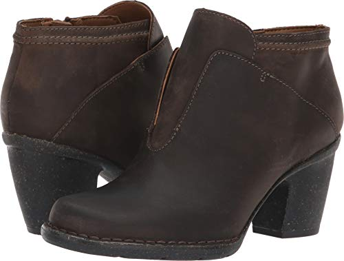 (CLARKS Womens Carleta York Boot, Taupe Oiled Leather, Size 6)