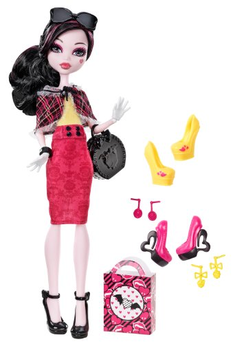 Monster High Draculaura Doll & Shoe Collection -