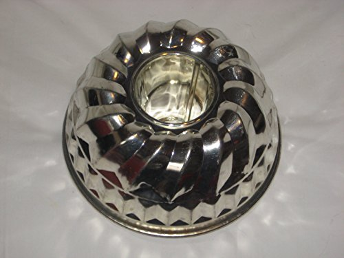 Vintage Kaiser Heavy Metal 8 1/2 x 4 1/2 Inch Bundt Cake Baking Pan/Jell-O Mold - West Germany