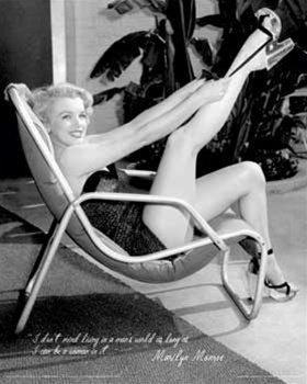 : Marilyn Monroe Man's World Sexy Photography Pin