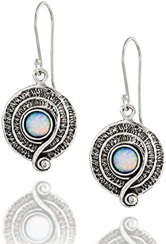 Pendientes colgantes redondos de plata de ley 925 con ópalo blanco y diseño de espiral decorativa