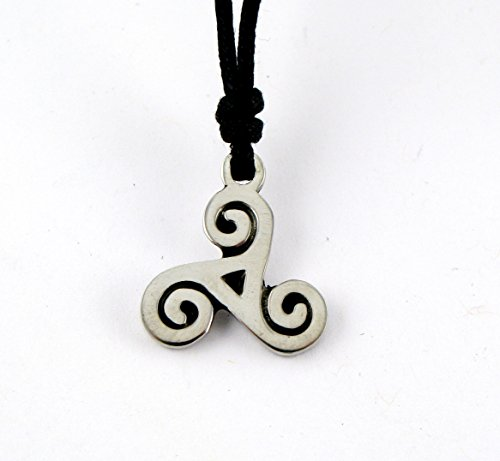 (Celtic Legends: Triple Spiral Pendant)