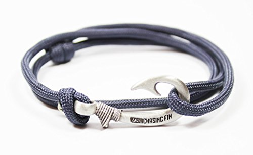 Chasing Fin Adjustable Bracelet 550 Military Paracord with Fish Hook Pendant, Navy