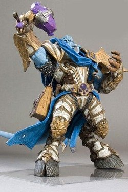 World of Warcraft: Vindicator Maraad Deluxe Collector Figure ()