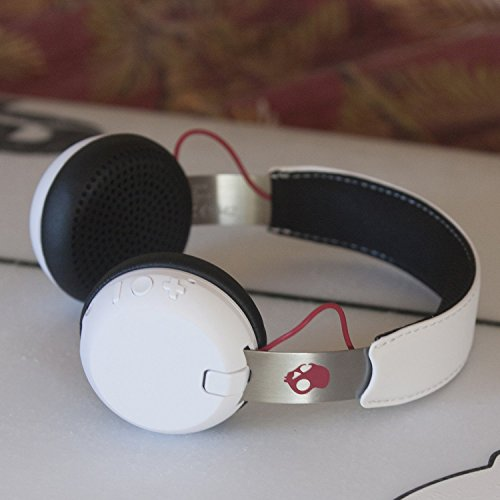 Skullcandy Grind Bluetooth Wireless On-Ear Headphones with Built-In Mic and Remote, 12-Hour Rechargeable Battery, Supreme Sound Audio, Plush Ear Pillows for Comfort, White by Skullcandy (Image #6)