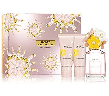 06d4f719ca06f Amazon.com   Daisy Eau So Fresh For Women By Marc Jacobs Gift Set   Beauty