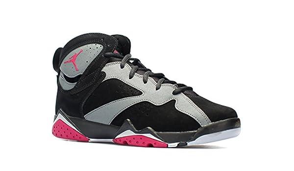 ce9f3126460a Amazon.com  AIR JORDAN 7 RETRO GG Boys Sneakers 442960-008  Sports    Outdoors