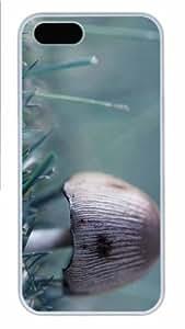 Hot iPhone 5S Customized Unique Print Design Wild Mushroom New Fashion PC White iPhone 5/5S Cases