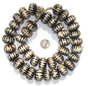 (Chevron Design Batik Bone Beads Large 25mm Kenya African Black and White Round Crafting Key Chain Bracelet Necklace Jewelry Accessories Pendants)