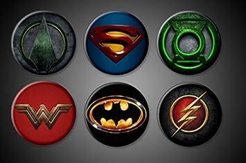 cbc6853a0516 Image Unavailable. Image not available for. Colour: DC Comics Superhero  Pins Pinback Batman Superman Wonder Woman Flash Green Arrow Green Lantern  ...