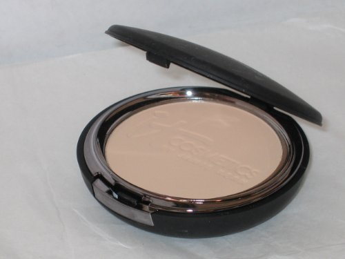 It Cosmetics Celebration Foundation Compact in Light from It Cosmetics