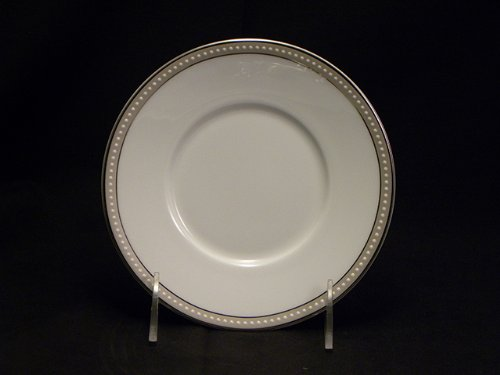 Nikko Oyster Pearl #12440 Saucers Only