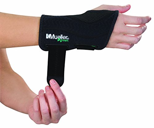 (Mueller Green Fitted Wrist Brace, Black, Right Hand, Large/Extra Large)