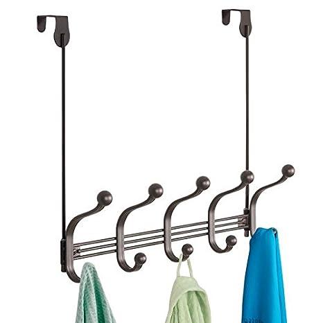 mDesign perchero de puerta - 5 ganchos dobles - Práctico colgador de ropa para entrada o baño - Perchero sin taladro para abrigos y chaquetas o como ...