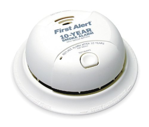 First Alert Smoke Alarm, 9V 10Year Lithium Battery Powered w/ Silence Button (4 Pack)