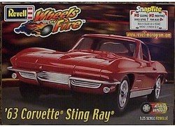 1/25 Scale '63 Corvette Stingray Snap-tite - 63 Corvette Stingray