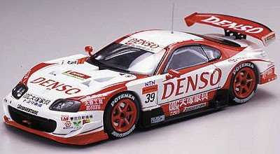 1/43 デンソー サード スープラ スーパーGT2005 大塚家具 #39(ホワイト×レッド) 「オートバックス SUPER GT 2005シリーズ」 43697