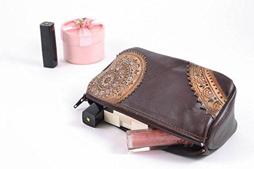 Bolso para cosmeticos hecha a mano marron