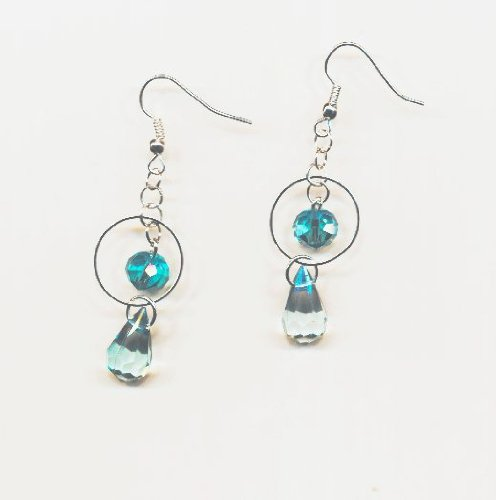 1 paire Boucles d'oreilles metal, perles gouttes bleues, anneaux argentés. Accessoires argentés.