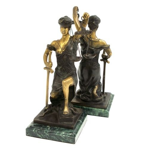 (Lady Justice Statue Bookends [Office Product])