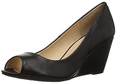 CL by Chinese Laundry Women's Noreen Wedge Pump, Black Smooth, 6 M US