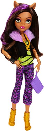 Monster High Signature Look Core Clawdeen Wolf Doll]()