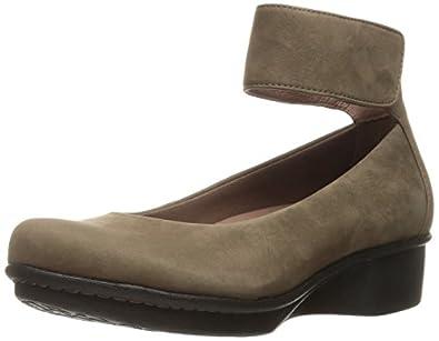 Amazon.com   Dansko Women's Lulu Mary Jane Flat   Flats