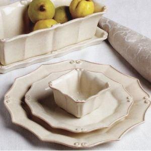 (Casafina Vintage Port Cream Round Salad Plate)