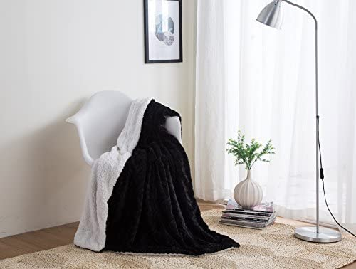 Super Dada Bedding Black Throw Blanket Fathers Super Soft Warm Cuddly Midnight Zig Zag Chevron Luxury Black And White Plush Luxe Fluffy Faux Fur Sherpa Gmtry Best Dining Table And Chair Ideas Images Gmtryco
