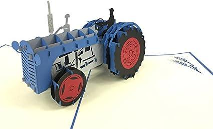 Tarjeta de felicitación con tractor en 3D, ideal para cualquier ...