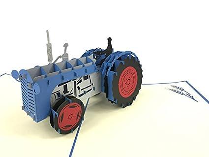 Tarjeta de felicitación con tractor en 3D, ideal para ...