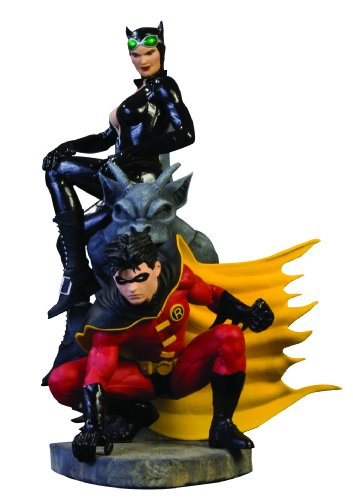 Batman Family Multi-Part Statue: Part1: Robin and (The Huntress Costume Batman)