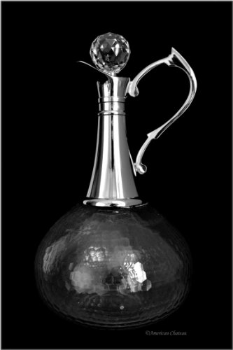 - Classic 58oz Large Honeycomb Glass & Stainless Steel Wine Whiskey Port Decanter