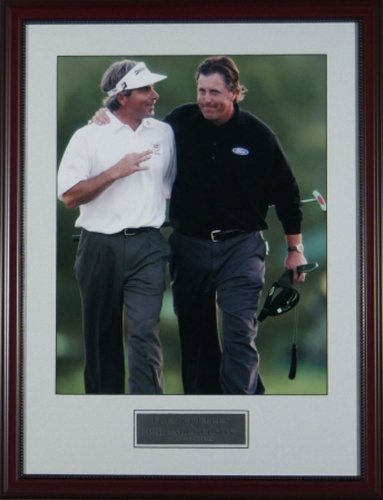 BirdieTown Sports Memorabilia Golf Picture - Phil Mickelson & Fred Couples Longtime Friends, 2006 Masters (16x22)